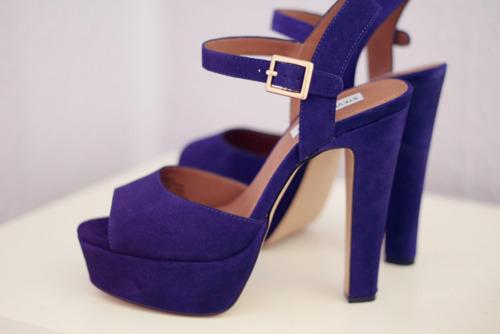 Steve Madden purple suede sandals