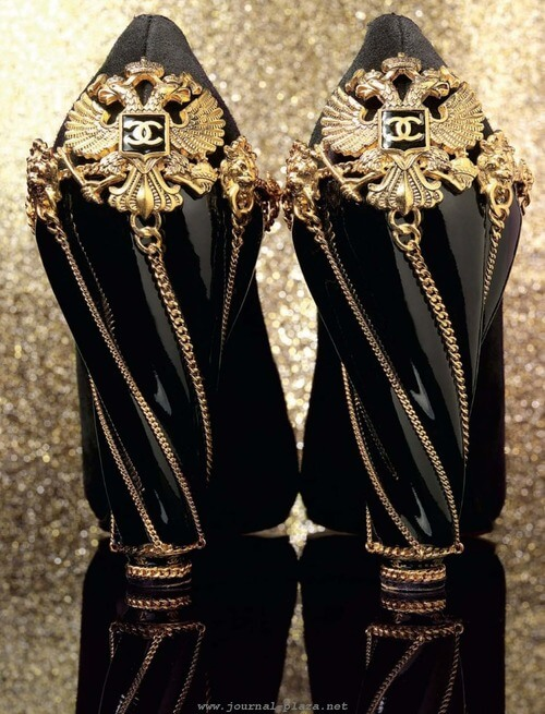 Chanel black and golden chain heels